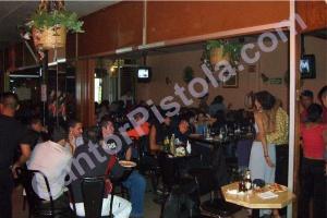 Clientela una noche de viernes en El Naranjito, Tlalpan, 2003