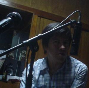 Herminio Gutiérrez durante la grabación de Yo No Soy Tu Baby